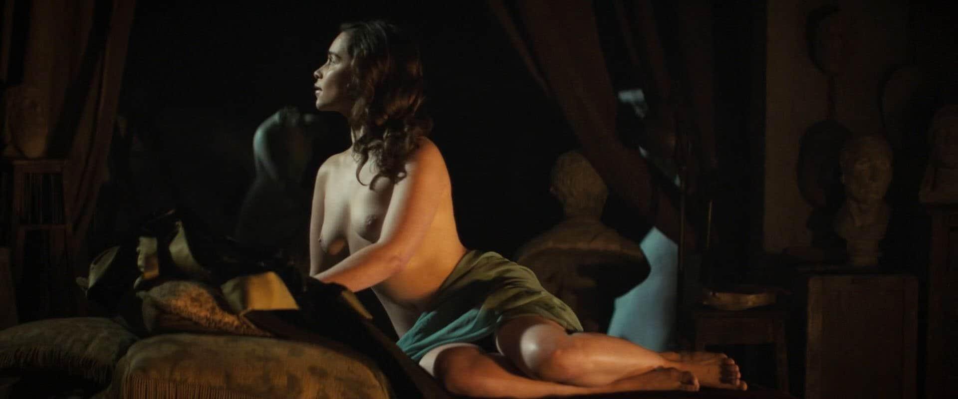 Emilia-Clarke-nahé-a-sexy-fotky1