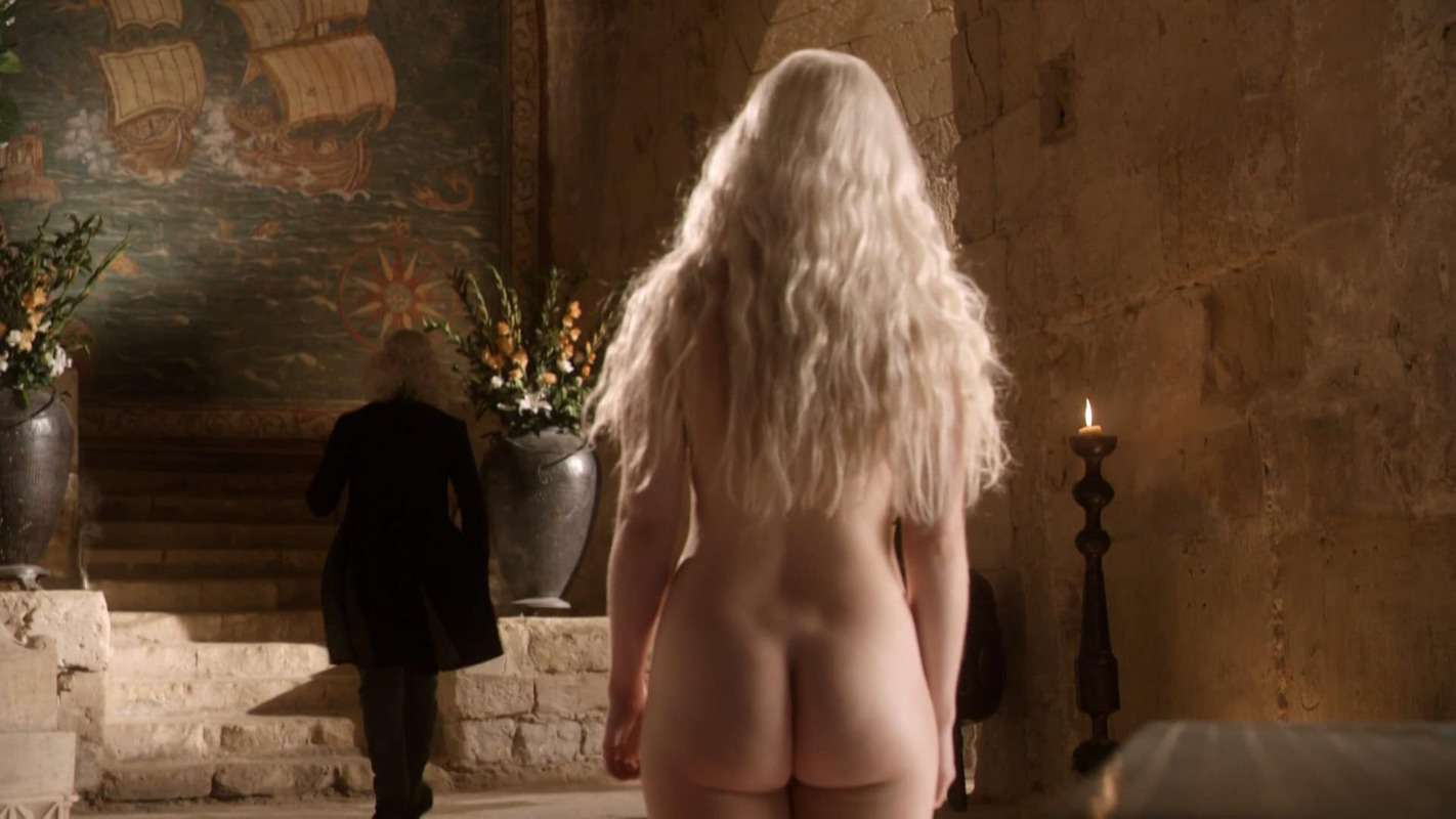 Emilia-Clarke-nahé-a-sexy-fotky32