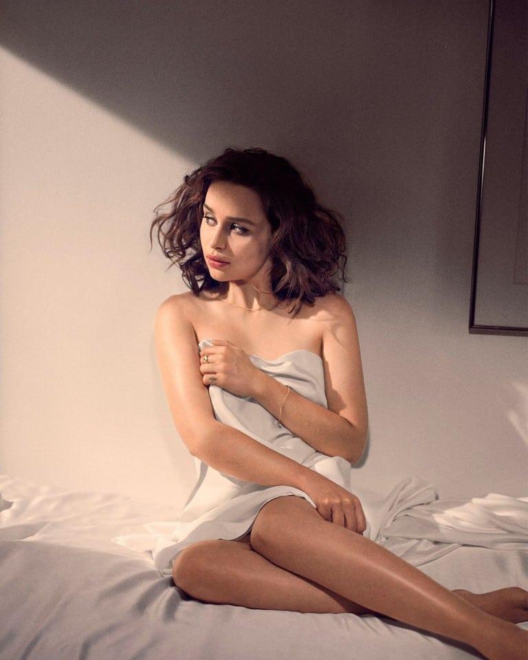 Emilia-Clarke-nahé-a-sexy-fotky37
