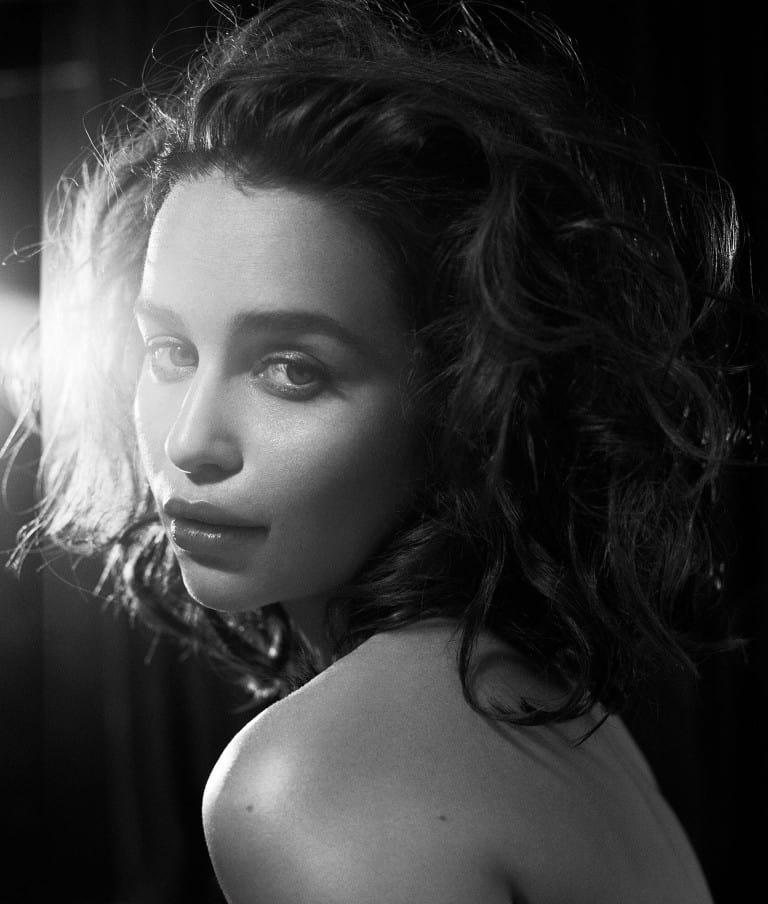 Emilia-Clarke-nahé-a-sexy-fotky40