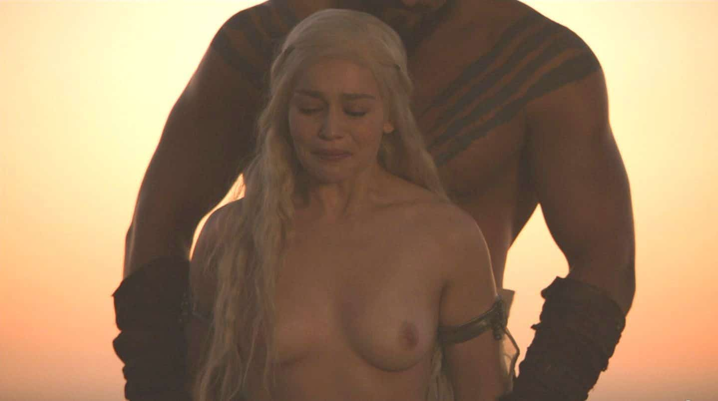 Emilia-Clarke-nahé-a-sexy-fotky43
