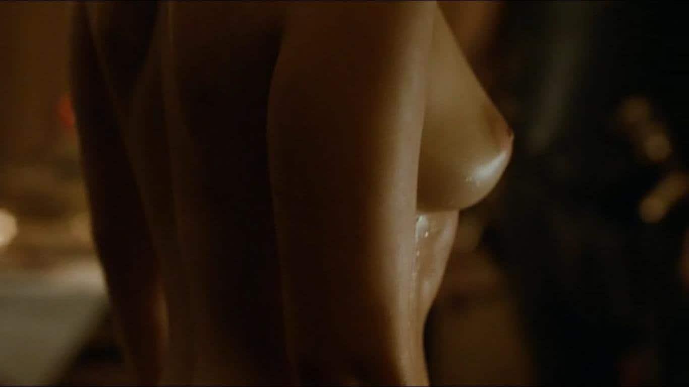 Emilia-Clarke-nahé-a-sexy-fotky45