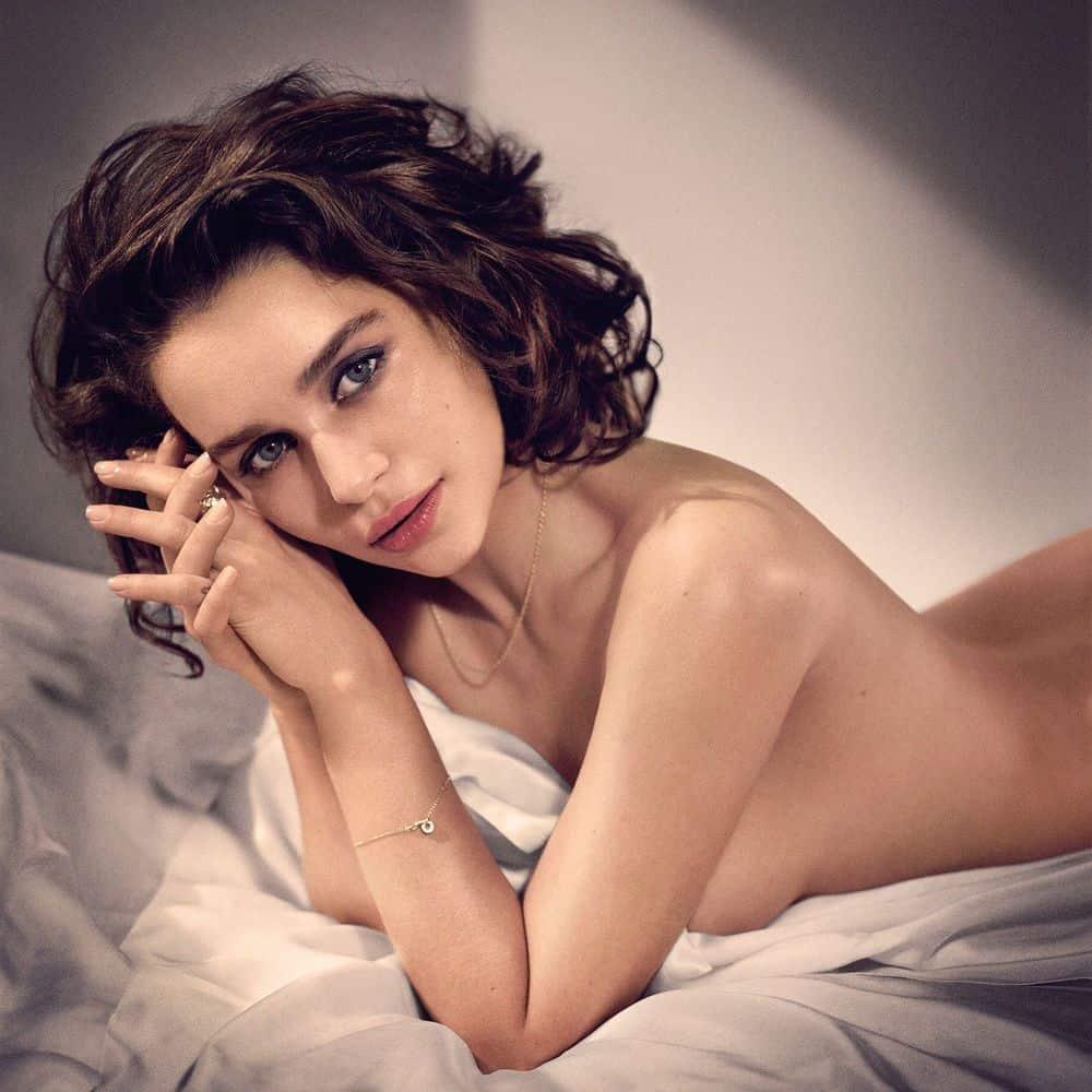 Emilia-Clarke-nahé-a-sexy-fotky9