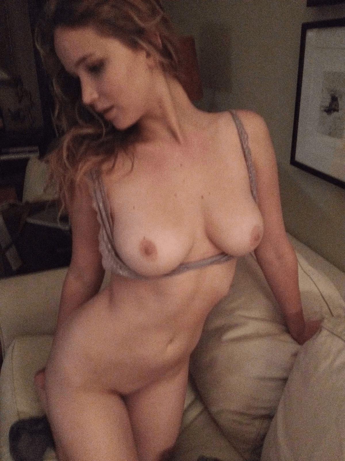Nahatá-Jennifer-Lawrence17