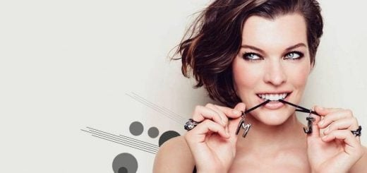 Nahá-a-sexy-Milla-Jovovich