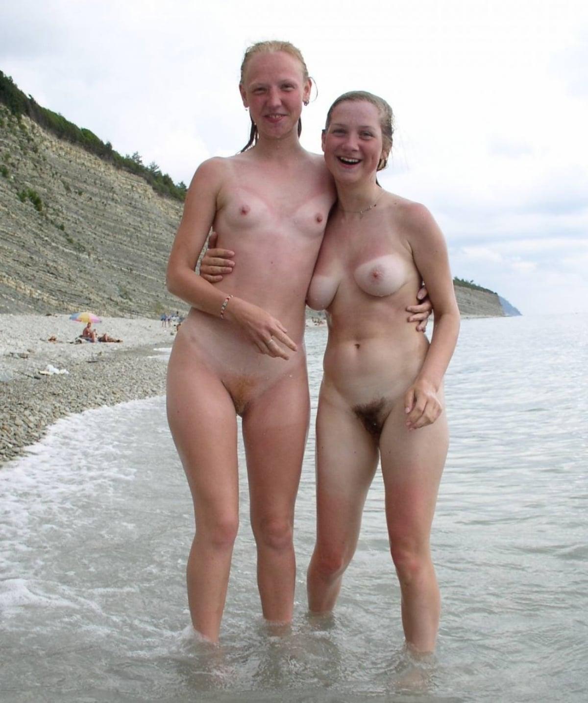 https://sexyna.org/wp-content/uploads/2019/11/Nahé-holky-na-pláži-27.jpg