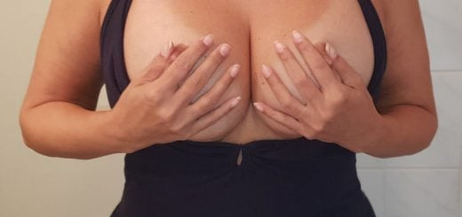 MILF shows very big tits